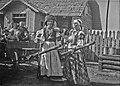 Две женщины на свадьбе изображают лошадь и всадника.jpg