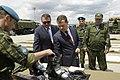 Д. А. Медведев осматривает образцы горноальпийского снаряжения 7-й дшд.jpg