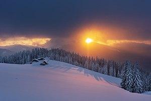Захід Сонця над Петросом, вид з полонини Кукул.jpg
