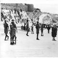 המאורעות בארץ ישראל 1938 - ליד החומות בירושלים לאחר פינוי המקום עי חיילים בריט-PHL-1088113.png