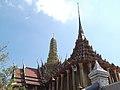 วัดพระศรีรัตนศาสดาราม Temple of The Emerald Buddha (2).jpg