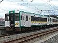 仙石線で暫定運用されている陸羽西線用キハ110.jpg