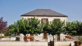 The town hall in Groises