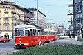 071L19220880 Karlsplatz, Blick Richtung Ring, Strassenbahn Linie 62 Typ L 535.jpg