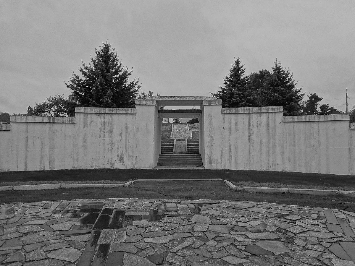 Holocaust in Rovno: The Massacre at Sosenki Forest, November 1941