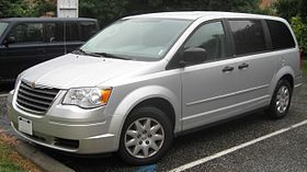 2008 Chrysler Town & Country LX.jpg