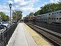 20091017 18 BNSF Metra, Stone Ave., La Grange, Illinois (42755425432).jpg