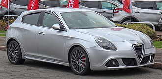 Fiat Compact platform - Image: 2011 Alfa Romeo Giulietta Veloce JT Dm 2 2.0 Front