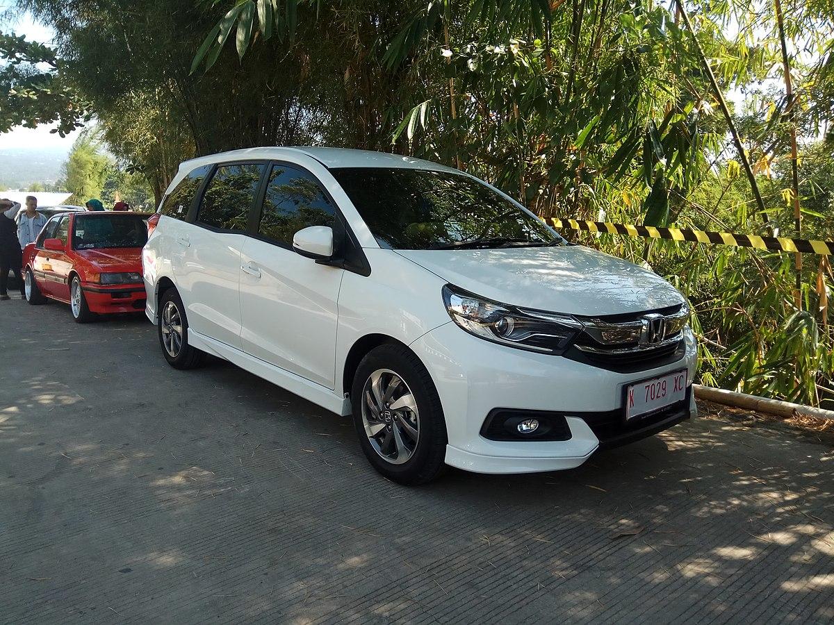 File:2019 Honda Mobilio 1.5 E (front), Bawen, Semarang.jpg ...