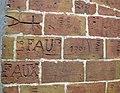 28 Fort de Sant Elm, terrassa superior, grafits antics.jpg