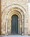 31 - Église Saint-Pierre de Gémil - Le portail roman MériméePA00094342.jpg