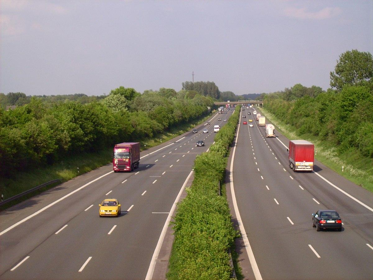 Bundesautobahn 2 bei Lünen Richtung Osten
