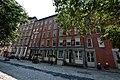 A Walk in Manhattan, New York (3757355397).jpg