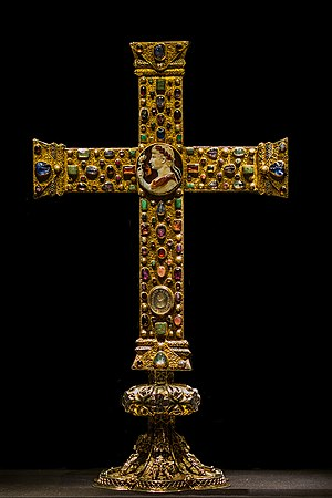 Crux gemmata - The front side of the Cross of Lothair (ca. 1000 AD).