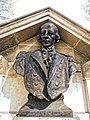 Admiral Arthur Phillip monument bust south from One New Change.jpg