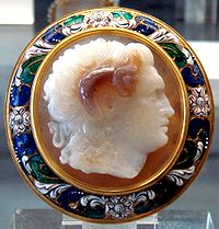Sardonyx cameo representing Alexander the Great. Thought to be by Pyrgoteles, engraver of Alexander, around 325 BC. Cabinet des Médailles, Paris.