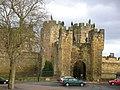 Alnwick Castle - geograph.org.uk - 1341895.jpg
