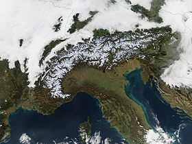 Image par satellite des Alpes.