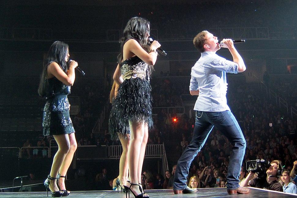 American Idol Tour Season 10 Scotty McCreery