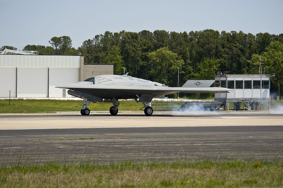 File:An X-47B unmanned combat air system lands at Naval Air Station Patuxent River, Md., May 14 ...