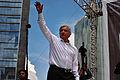 Andrés Manuel López Obrador saludando - Marcha 22 de septiembre de 2013 - 2.jpg