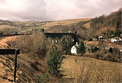 Approaching Knucklas Viaduct - geograph.org.uk - 330122.jpg