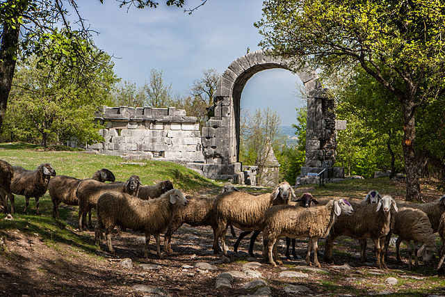 6th place: Arco di Traiano (Arch of San Damiano), Carsulae archaeological park, Terni