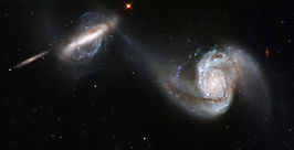 NGC 3808 (rechts) en NGC 3808A (links)