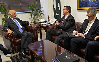 Sartaj Aziz - Ash Carter meets with Sartaj Aziz, Sept. 16, 2013