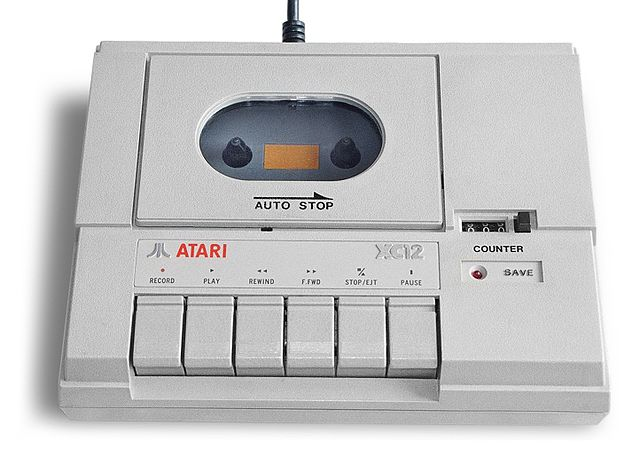 http://upload.wikimedia.org/wikipedia/commons/thumb/7/76/Atari_xc12_cassette_data_recorder.jpg/640px-Atari_xc12_cassette_data_recorder.jpg