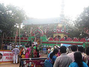 Bara Shaheed Dargah - front view of Durgha