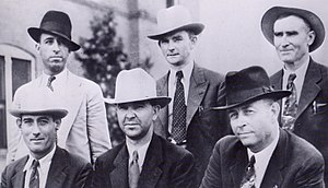 Frank Hamer - The posse. Top: Hinton, Oakley, Gault; seated: Alcorn, Jordan and Frank Hamer.