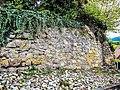 Base de la muraille nord-est de l'ancien château de Jungholtz.jpg