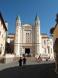 Basilica di Santa Rita a Cascia, dove è conservata la reliquia del miracolo eucaristico del 1330.