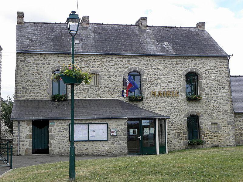 Mairie de Belgeard (53).