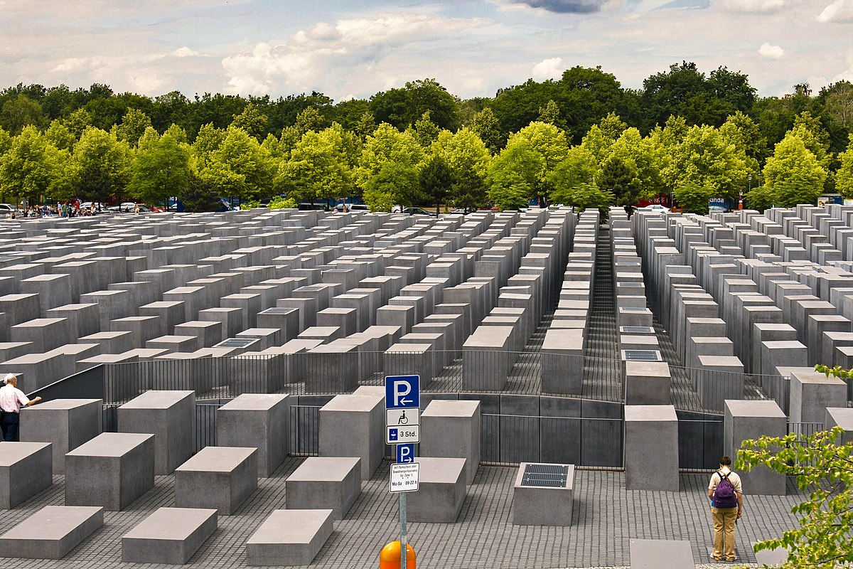Berlin Holocaust Memorial - panoramio.jpg