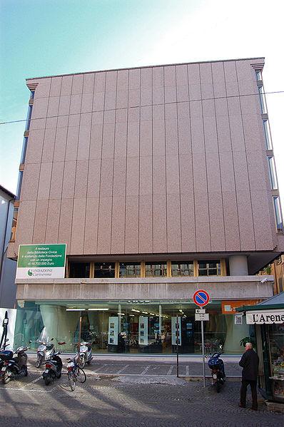 File:Biblioteca civica di Verona.jpg