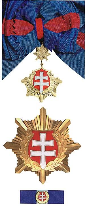 Order of the White Double Cross - Image: Biely dvojkríž 1. triedy vojenského druhu