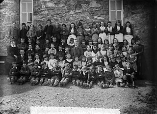 Big boys and girls, Llithfaen school