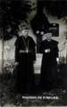 Bischof Josef Gross (1866–1931) und Dechant Franz Xaver Tobisch (1865–1934).png
