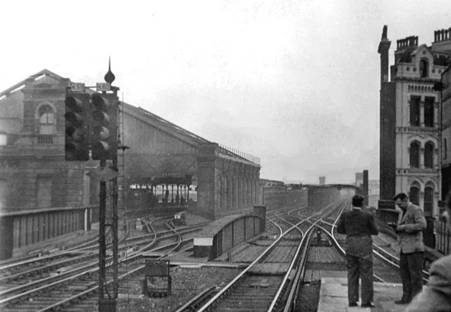 Blackfriars SR railway station 1813714 2da99811