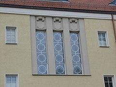 Bleiglasfenster Rathaus Döhlen 2012.JPG