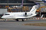 Bombardier CL-600-2B16 Challenger 605, JetAir Flug JP7612017.jpg