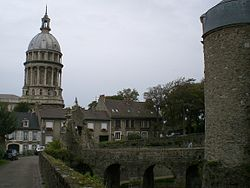 Boulogne sur mer chateau musee cathedral basilique notre dame.jpg