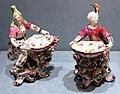 Bow china works, coppia di saliere con personaggi turchi, 1765-70 ca.jpg