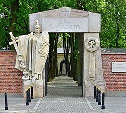 Brama św. Honoraty Cmentarz Powązkowski w Warszawie 2019.jpg