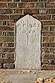 Brentford boundary stone north 2881.jpg
