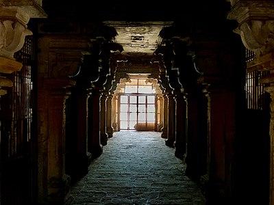 Brihadeeswarar Temple 26.jpg
