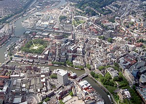 Parks of Bristol - Aerial view of Bristol showing the principal parks in the centre. Brandon Hill (top right), College Green (above centre), Queen Square (left), and Castle Park (bottom right)