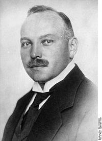 Bundesarchiv Bild 102-08458, Emil Georg von Strauss.jpg
